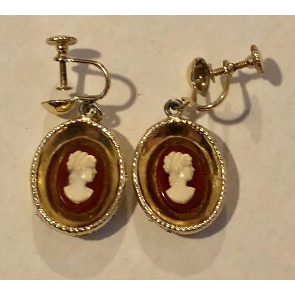 105850013 Vintage Jewelry | Cameo Screw Back Earrings | Poshmark